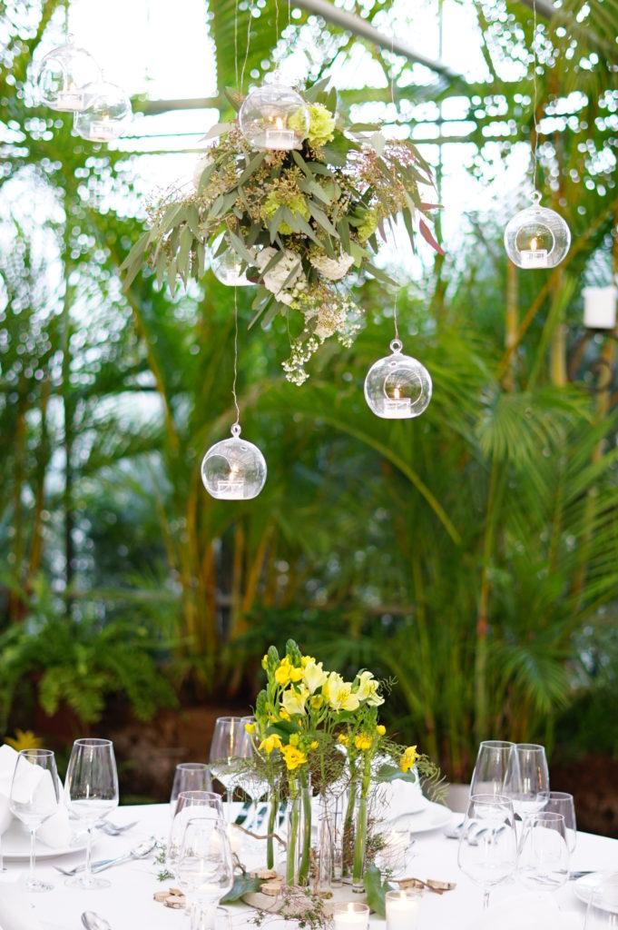 flowerhoop mit tischdeko